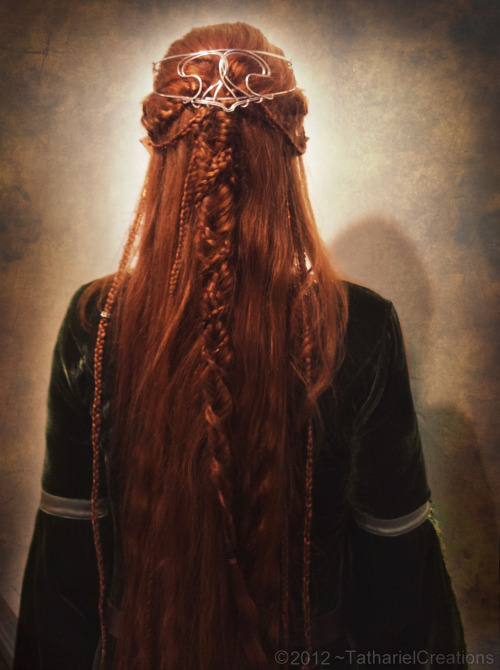 myelvenkingdom:  My hair for the LOTR-matathon this year!Fishtail braids, french braids, regular braids… Sooo many braids! ^^'