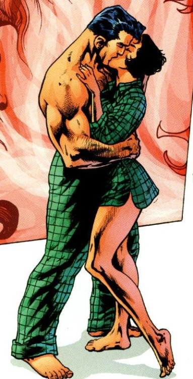 comicbookkissyface:  Guys, please note that Lois and Clark are sharing one pair of flannel pajamas….that is so cute I could fall over and die.