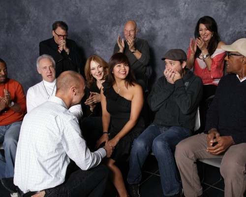 nameofwafflefries:  > girl goes to take picture with the TNG cast > her boyfriend proposes > Wil's face > priceless