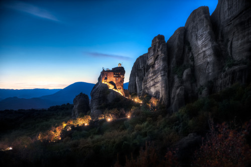 -cityoflove:  Meteora, Greece via blame_the_monkey