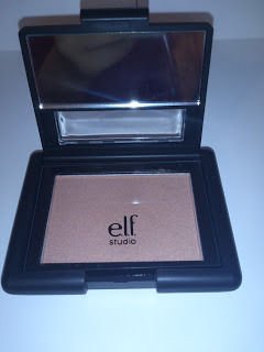 Review on: e.l.f. Studio Blush - Peachy Keen http://kreamiblush.blogspot.co.uk/2012/10/review-elf-studio-blush-peachy-keen.html