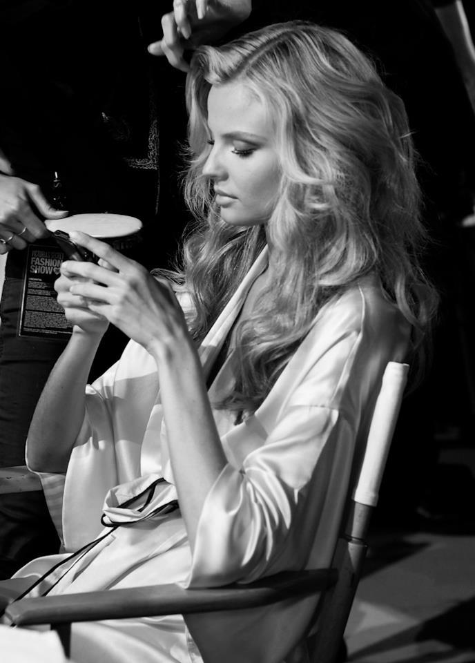 decrux:  goddess Magdalena backstage at VSFS 2012