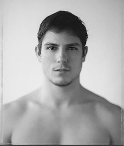 I just absolutely LOVE this picture of Sean Faris