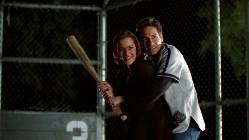 "shushbetou:  welovegillian:  ""Shut up Mulder! I'm playing baseball."" - Scully (6x19 ""The Unnatural"")  Happy 1121 Day!   This is the ""nonfat tofutti rice dreamsicle"" episode!"