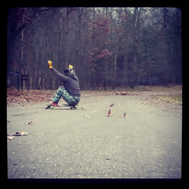 dayyunnnn:Loryn throwing down! #redcupshred #screengrab #michigan #downhill Loryn Roberson gettin it! #redcupshred #screengrab #michigan #downhill