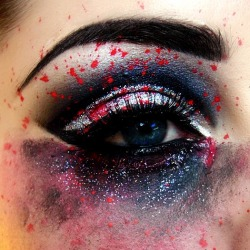make-up-is-an-art:  Make-up Smeared Eye by *KikiMJ