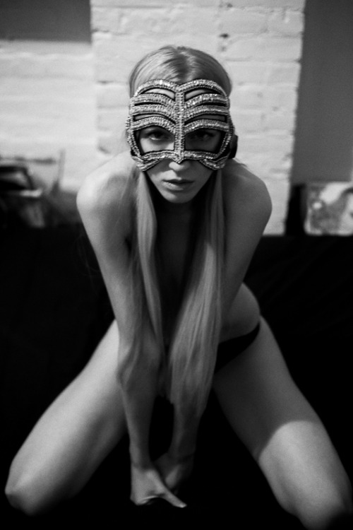 Iggy by Alex Covo - mask by Julia Clancey