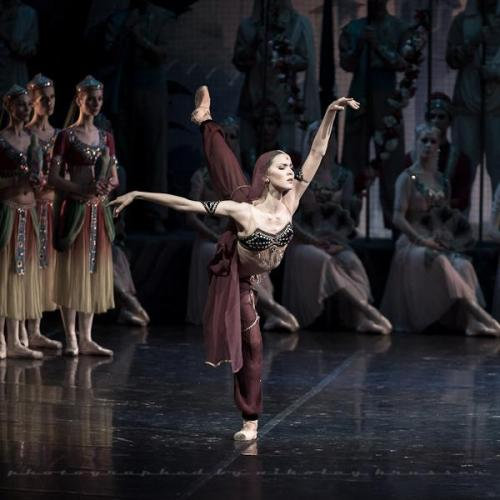 Alina Somova in La Bayadère at the Mikhailovsky Theatre. Photo by Nikolay Krusser.