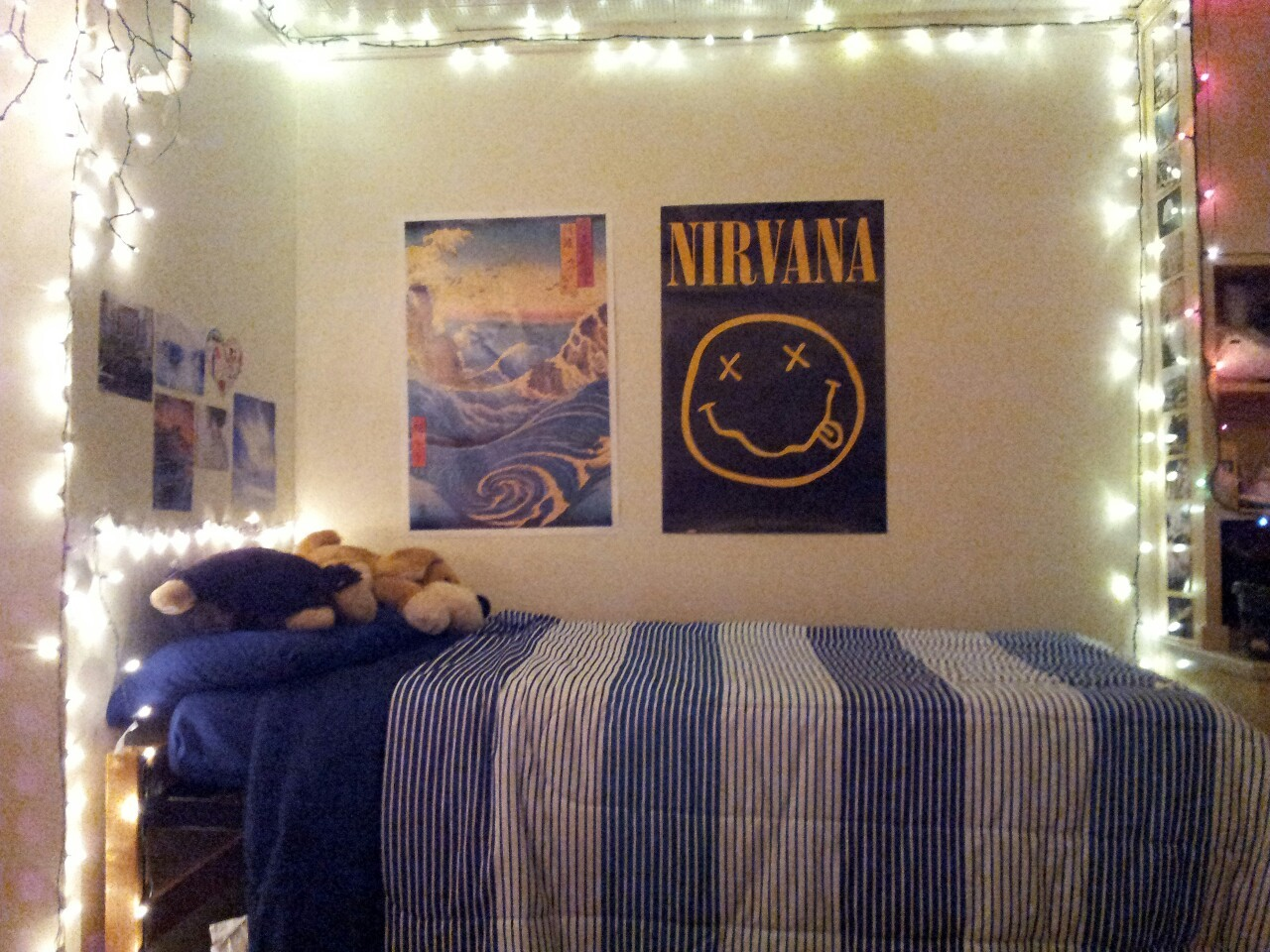 Got around to decorating my dorm somewhat. Now it finally has some semblance of home. :)