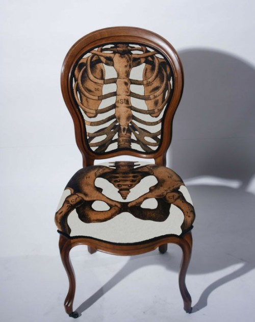 Anatomically correct chair lines up with your bones and organs.