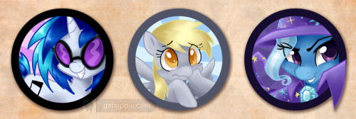 More pony buttons!