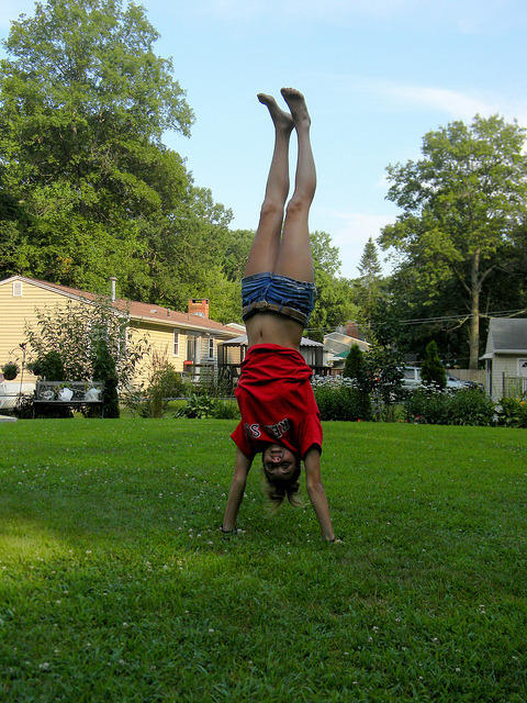 flexibilityisfreedom:  Handstand by melanieclarkk on Flickr.