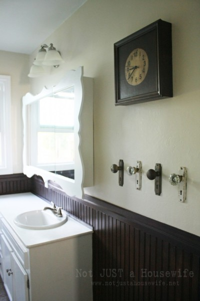 DIY project du jour:  Turn old door knobs into useful hooks. (photo: Not Just a Housewife blog)