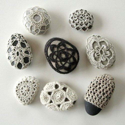 podkins:  Crocheted Stones Prettiness via  Hedgehog Fibres on Flickr