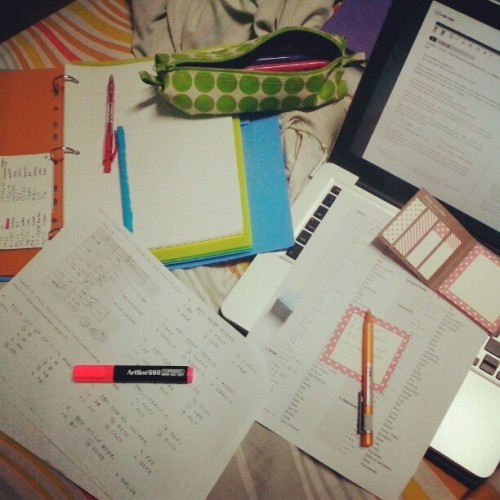 writergirl:  Why I need a study desk in my room reason #183646482927464. T_T Hopefully by Saturday. Hopefully. D: