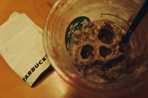 bucks tar. starbucks. seaside, moa. 8 november 2012. sony nex f3 18-55mm lens