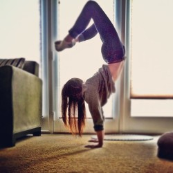 attempting to #calm new job jitters with a little #scorpion #handstand 😕 so #nervous !! #me #yogi #self #yogapose #inversion #upsidedown #backbend #sweater #americanapparel #practice