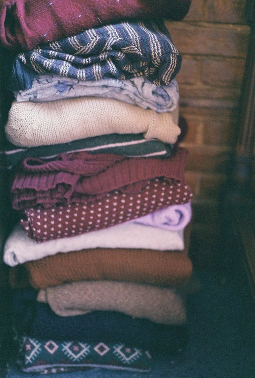 untied-dreams:  I have an obsession with sweaters :3