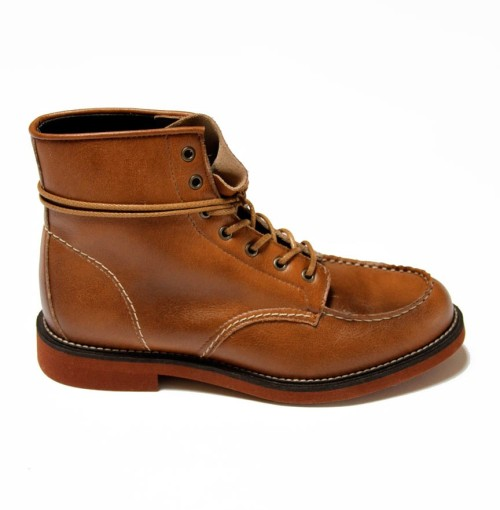 I'm so into these new(?) boots from Brave GentleMan! Not only are they hot and vegan, they are also ethically sourced. Dudes: you should all get these. I'm trying to make my pal Kevin Still get them. I'm helping him upgrade his wardrobe because I'm so nice. He didn't even have to ask for my help. But boy does he need it! He wanted to try on cargo pants. Like, really.