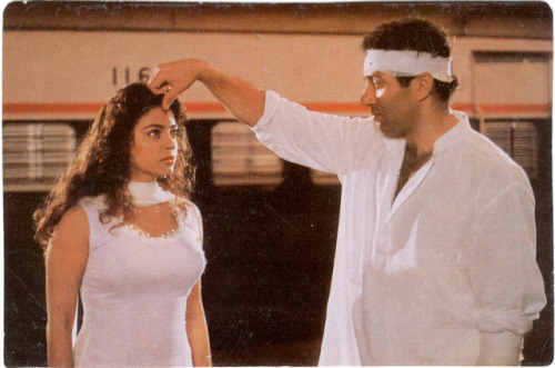 Sunny deol and Juhi Chawla from Darr