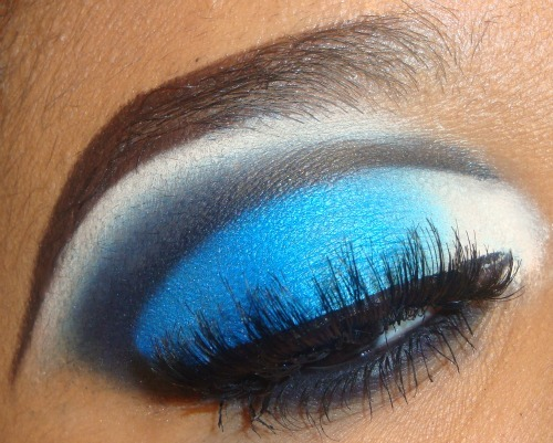 Blue and White Cut Crease Tutorial here http://youtu.be/F-nqejxqzJk you can see more of my tutorials here http://www.youtube.com/user/MakeMeUpbyWhitney?feature=mhee