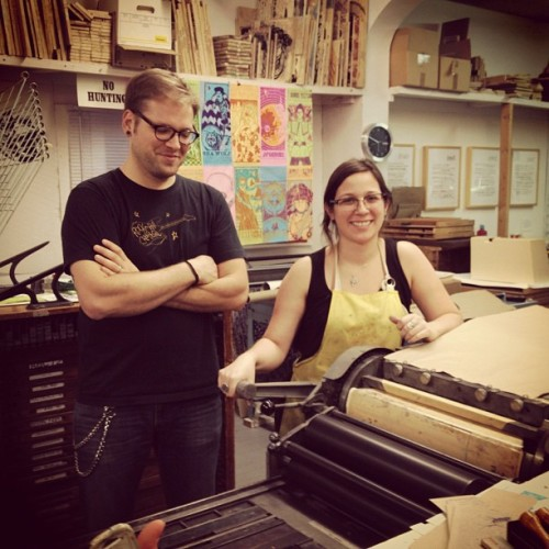 thetradingtortoise:  Matty & Lauren printing bags at Firecracker Press (at Firecracker Press)