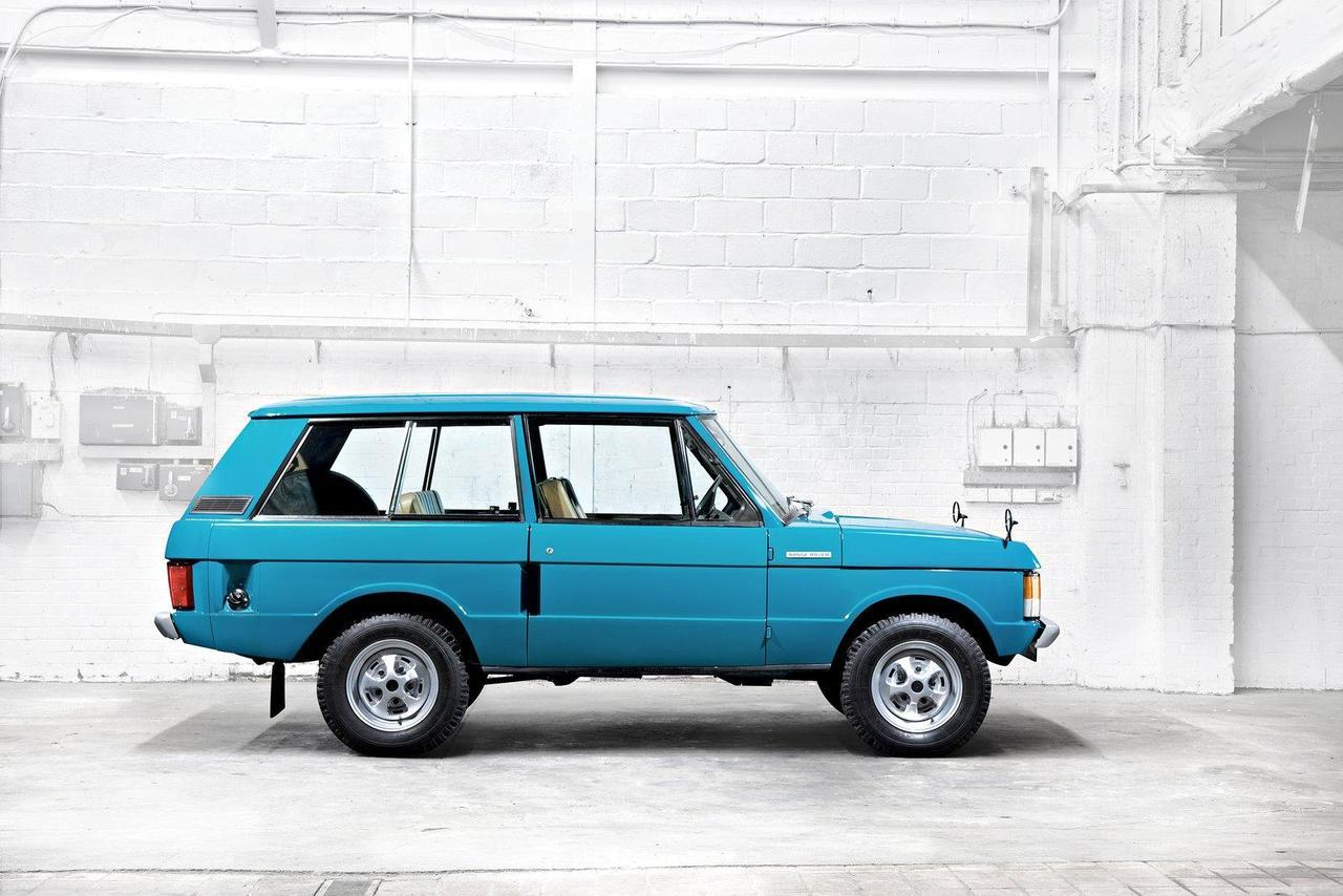 automotive-lust:  Older Range Rover…great color and still looks pristine, tho!