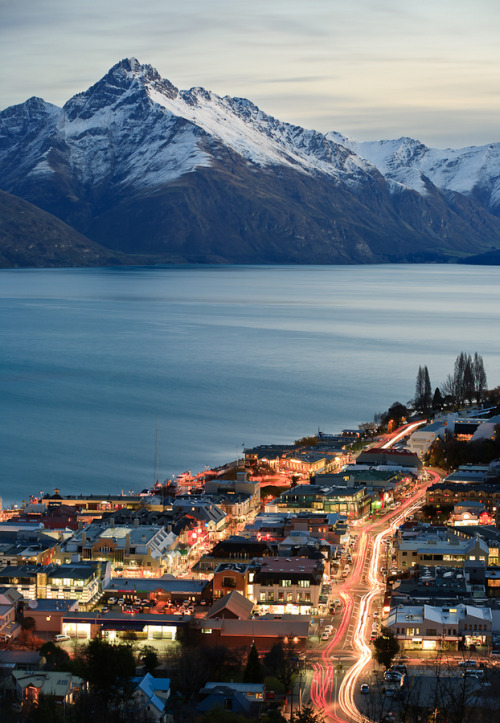 astratos:  Queenstown  |  Paul Simpson