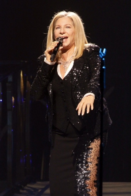 Barbra Streisand rocked the Grand Garden Arena last Friday night. This was only her 89th concert since the beginning of her career. Pretty cool!