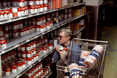 aconversationoncool:  Warhol at Gristedes by Bob Adelman, 1965.