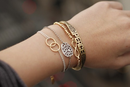 I like the bracelet with the 2 entwined rings