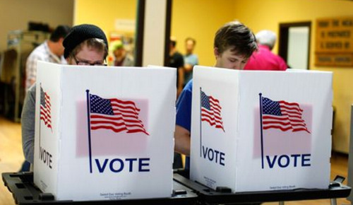 Youth Vote 2012 Turnout: Exit Polls Show Greater Share Of Electorate Than In 2008 Young voters represented a greater share of the national electorate Tuesday than four years ago, once again voting for President Barack Obama by a huge margin, boosting his reelection. Voters from ages 18 to 29 represented 19 percent of all those who voted on Tuesday, according to the early National Exit Poll conducted by Edison Research. That's an increase of one percentage point from 2008. Obama captured 60 percent youth vote, compared with Mitt Romney's 36 percent.