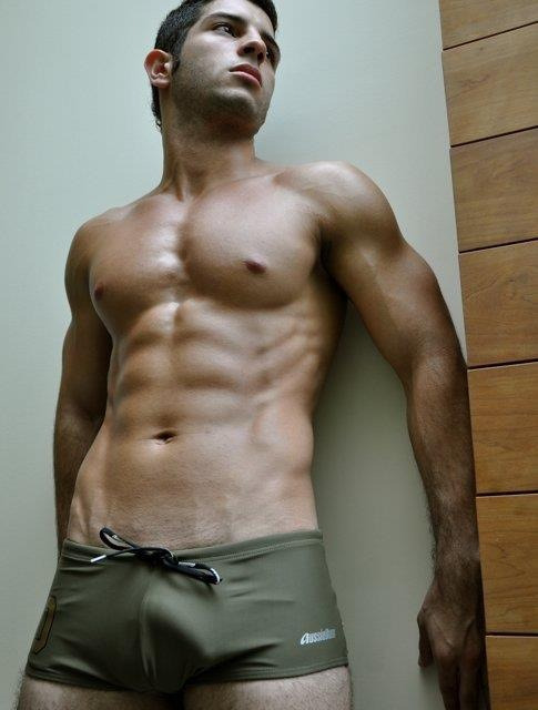 hottmen:  mancrushoftheday:  Visit The Man Crush Blog | Twitter | Facebook | Google+   TumbleBoard for iPad