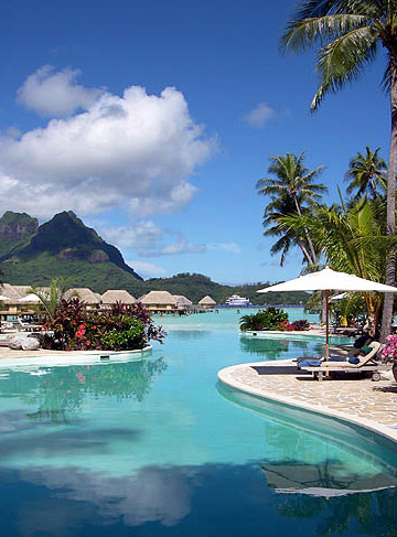 white-beaches:  Bora Bora Pearl Beach Resort