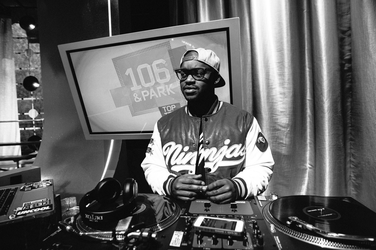 @DjTayJames guest dj'ing at 106 & Park (by Mike Lerner)