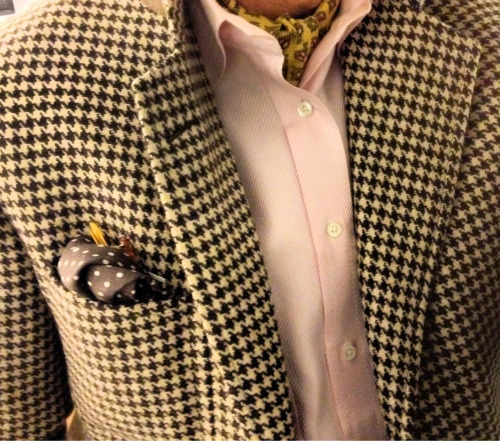 maxminimus:  Flusser 3-2 Notch Lapel. Houndstooth. Polo Pocket Square. Pink Diagonal Tone-on-Tone Flusser B.D. Cravat—Vintage Bobby from Boston. bam. lowercase.