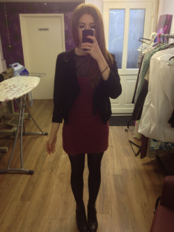 What I wore today Topshop burgundy dress, fishnet tshirt by Rosie Louise jones, Topshop black blazer, vintage leather boots