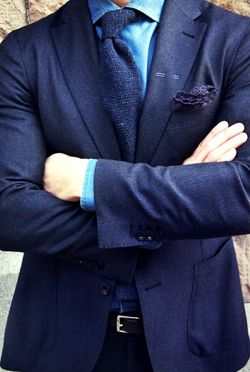 downeastandout:  Admirable necktie texture  beautiful tie and blazer.