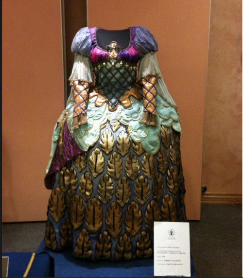 ornamentedbeing:  I don't know much about this costume yet, but it was too beautiful not to share with you…. Dall'opera 'Zite'n Galera', costume designer Odette Nicoletti  Wow, I think archaeologistsl have finally uncovered the gown that inspired the clothing in Dragon Age: Origins