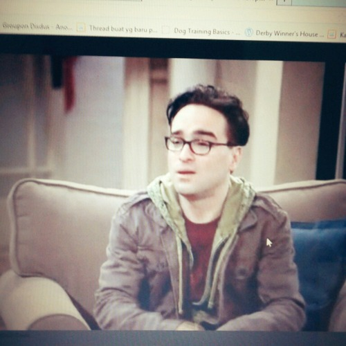 THE BIG BANG THEORY SEASON 1 . OMG! at Vinka's bedroom – View on Path.