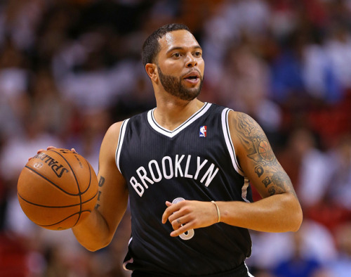 nbaoffseason:  gq:  You guys, Deron Williams saw a UFO during Hurricane Sandy.  Pretty sure Deron Williams just saw his hairline.