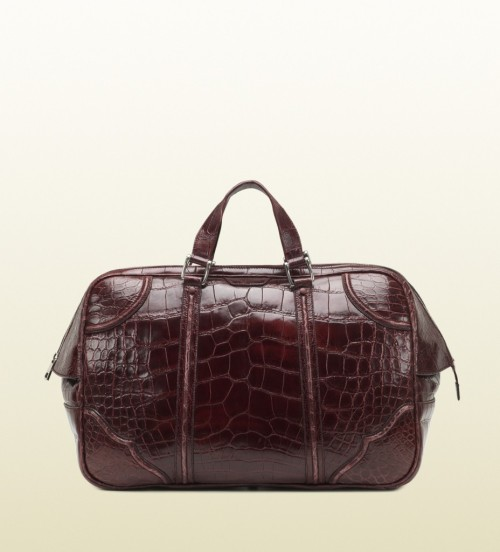 Gucci Helmut Crocodile Carry-On Men's Duffle BagColor can really make a statement when it comes to accessories. The Gucci Helmut Crocodile Carry-On…View Postshared via WordPress.com