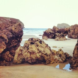 5season:  World's end @cracoviak #beach #playa #nature #life #movie #asturias #llanes #rocks #sea #wave #water #mountain  (at Playa de Barro)