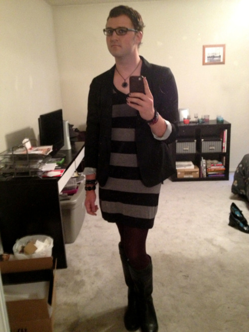 Same dress from last week but with some more plum/burgundy tights. I had planned on wearing a new skirt I got from the gap but I didn't like it with the tights. So I did a coin flip to decide between the two and the tights won.