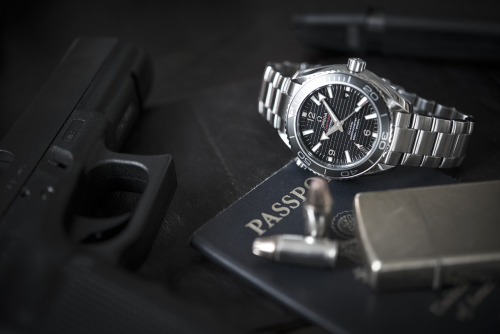 To celebrate Skyfall's premiere, we go hands-on with the @omegawatches Planet Ocean Skyfall today on HODINKEE.