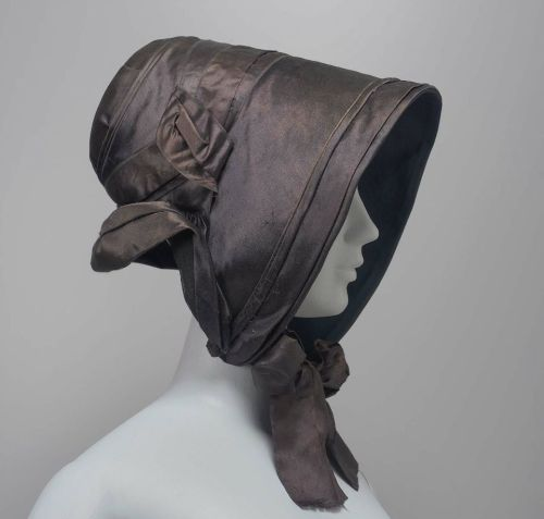 Poke bonnet, ca 1840 France, the Museum of Fine Arts, Boston