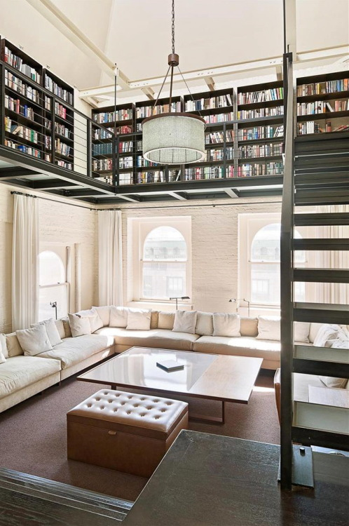 truelifeofasouthernbelle:  I want my house to be full of books.