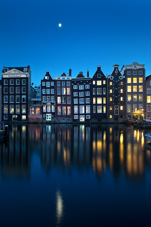 brightsideof-com:  Amsterdam is the largest city and the capital of the Netherlands, located in North Holland. Here are some pictures of this interesting city. (via Amsterdam in Pictures)