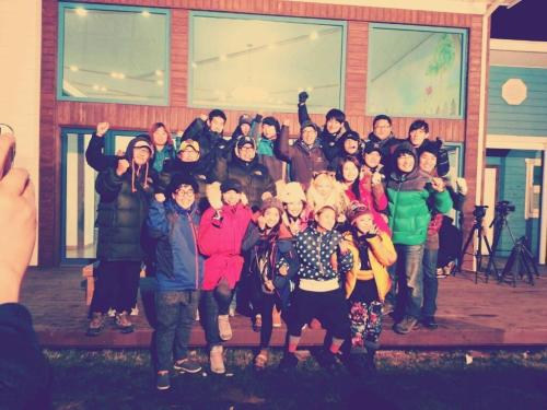 121108 Yewon's Twitter  Yesterday was Invincible Youth's last recording T_T The last is always sad heug-heug Thank you for taking care of me, I love you>_<!!!!! ❤💛  trans. by su @ suzybae // take out with full credit