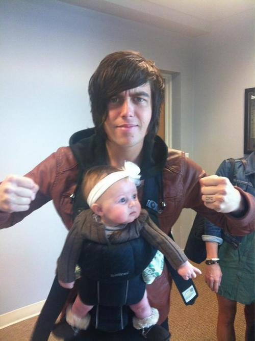 alltimelow-ner:  Just a shout out to these kids who have the best daddies in the world<3